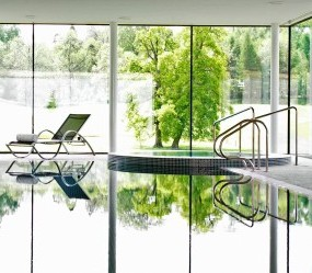 Swimming pool at Bowood Hotel, Spa & Golf Resort