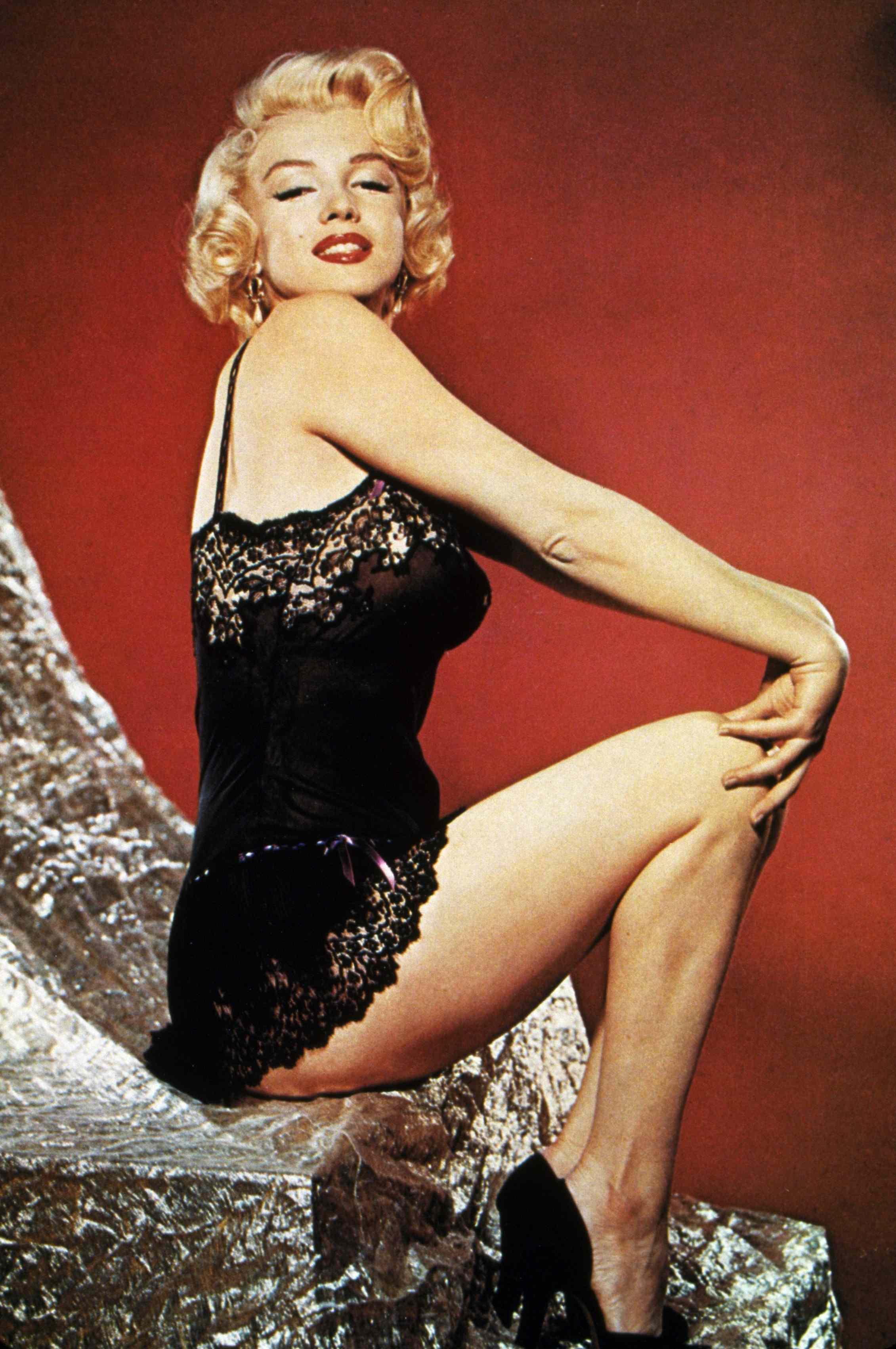 Hair Tip The Marilyn Bombshell Look Stylenest