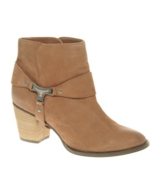 Acrobat Ankle Boots with Mid Heel Stirrup