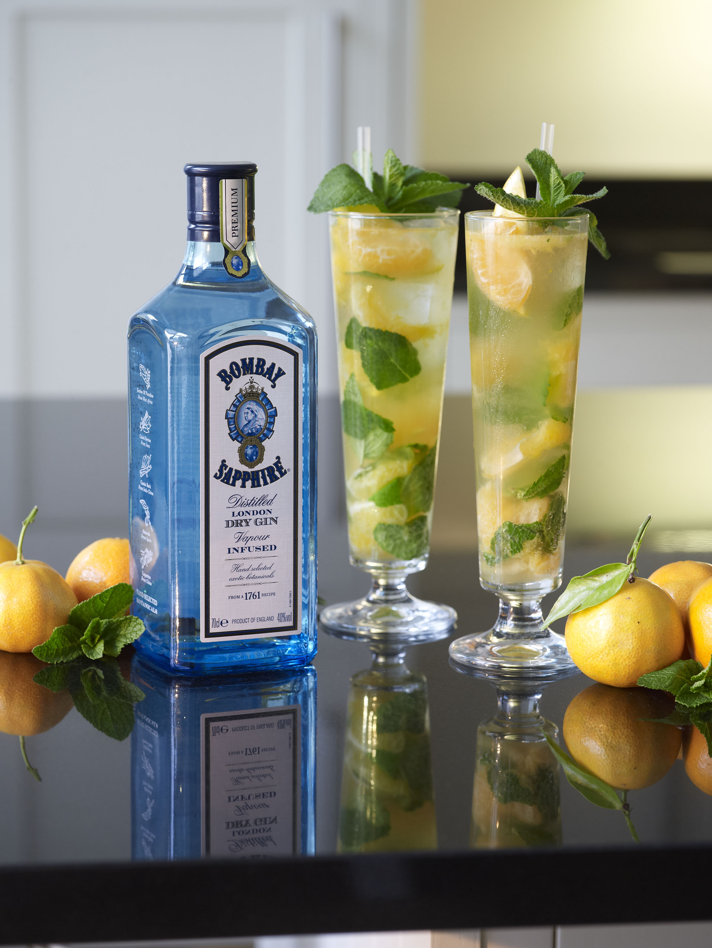 Bombay sapphire tangerine and mint collins stylenest for Mixed drinks using gin