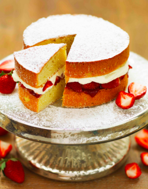 Strawberry & Vanilla Cream Sponge