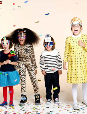 kids wearing alex&alexa party masks