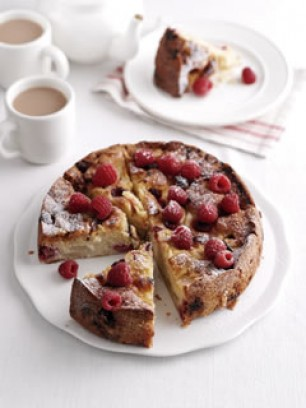 Pear-and-raspberry-cake