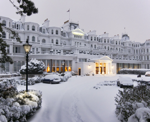 the grand hotel eastbourne at christmas in the snow
