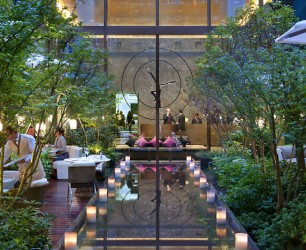 MO paris-lobby-garden-evening