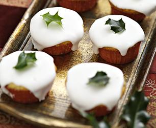 Orange & Cranberry Christmas Cupcakes