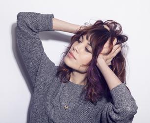Alexa Chung Violet Hair Chalks