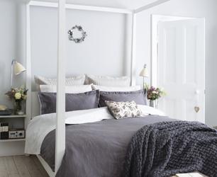 Modern Four Poster Bed Design Ideas