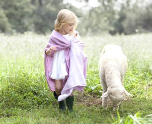 Lifesytle Girl & Sheep
