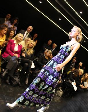 http://upload.wikimedia.org/wikipedia/commons/c/cb/Milan_Fashion_Week_1.jpg