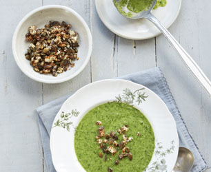 Jo Pratt -souper green soup with pumpkin seed croutons
