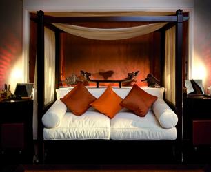 Ushvani Asmara Suite sofa cmyk