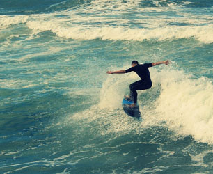 feat-surf-876240_1280
