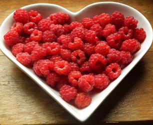 feat-raspberries-215858_960_720