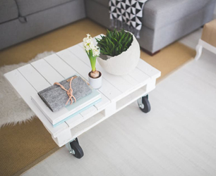feat-table-white-home-interior