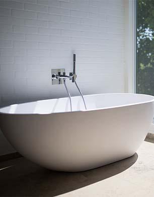 Do Brits Prefer A Bath Or Shower Stylenest